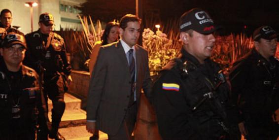 Fiscalía imputa cargos y solicita captura de Juan Carlos Varela.