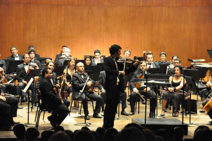 La Orquesta Filarmónica de Cali vivita y tocando