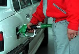 La gasolina corriente no subirá en agosto en Colombia. Acpm aumentó cien pesos