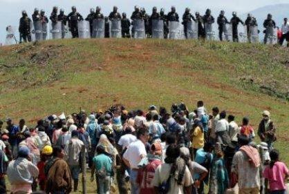 El ESMAD de la Polícia desbloqueó vía a Caloto en el Cauca