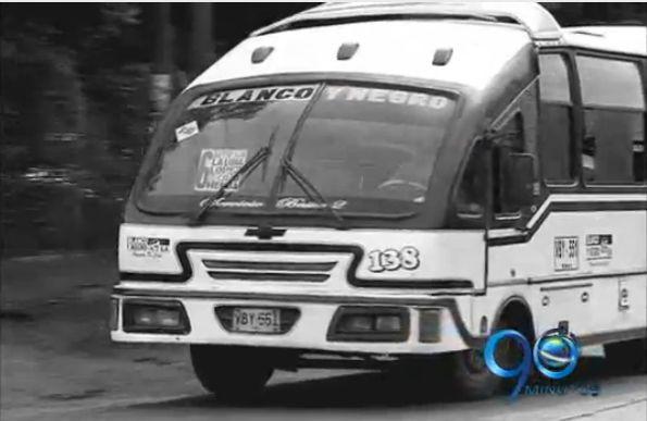 Los buses Blanco y Negro se despiden de las calles de Cali