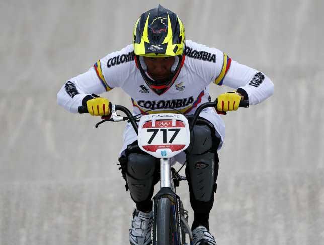 Carlos Oquendo y Andrés Jiménez pasaron a semifinales de BMX olímpico.