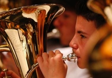 Con protesta musical, la Banda Departamental denunció que no les pagan