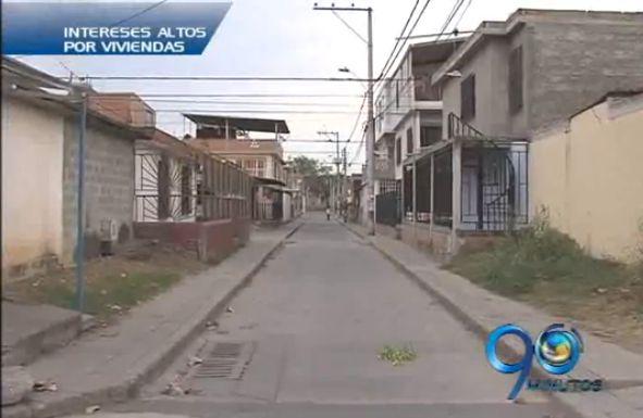 Habitantes de una urbanización reclaman por el alto costo de los intereses