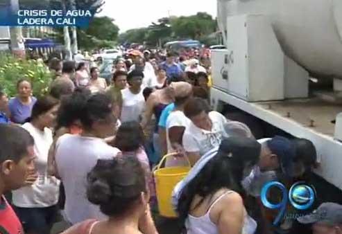 Emcali y líderes comunitarios acuerdan entrega del agua en carrotanques