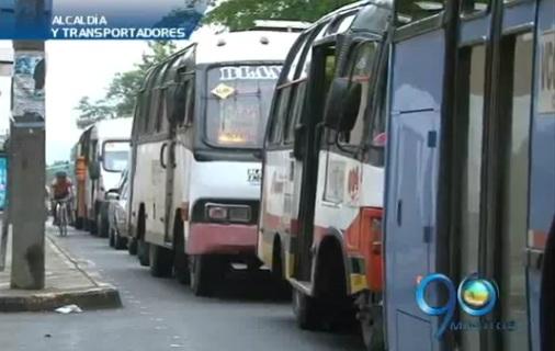 Transportadores escucharán oferta de compra de sus buses