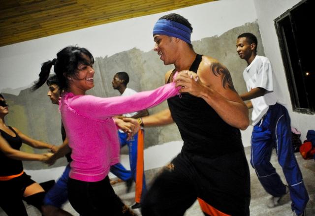 Clases de baile de salsa gratuitas en el Centro Cultural