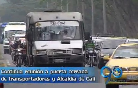 Continúa mesa de concertación entre transportadores y Alcaldía de Cali