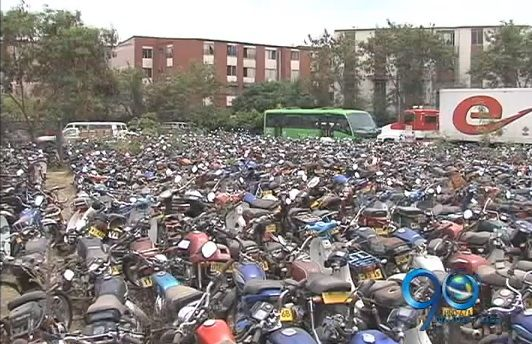 Caleños prefieren perder sus motos en los patios que pagar las multas