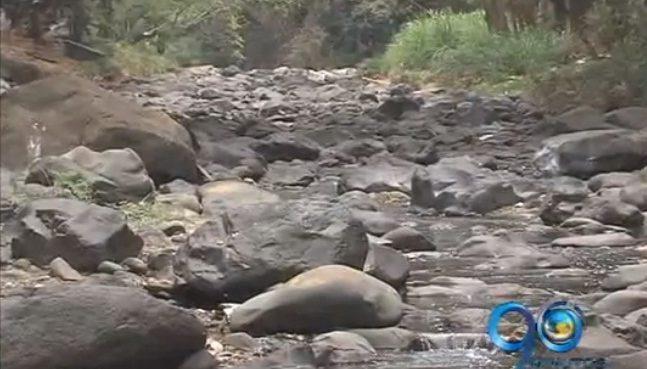 Intenso verano tiene secos a los ríos de Cali