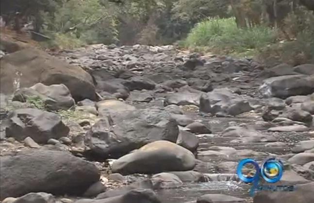 Intenso verano tiene secos los ríos de Cali