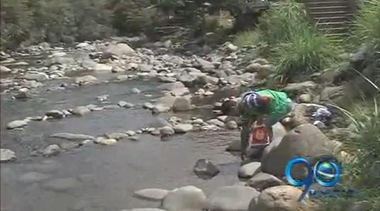Basuras y sequía por el verano están afectando al río Pance