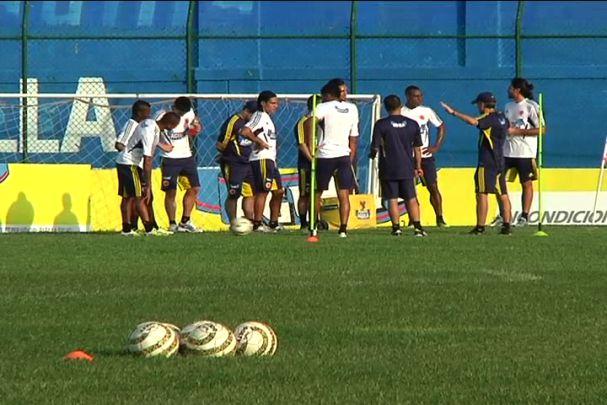 Última práctica de Colombia antes de su partido con Uruguay