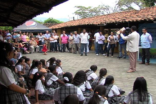 No hubo desalojo del Colegio Femenino San Fernando