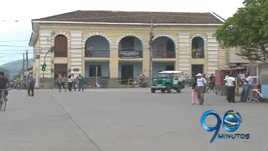 Explosiones en Pradera hiere 4 civiles y 4 agentes de policía