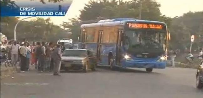 Cuatro días de bloqueos y disturbios por protestas de pequeños transportadores
