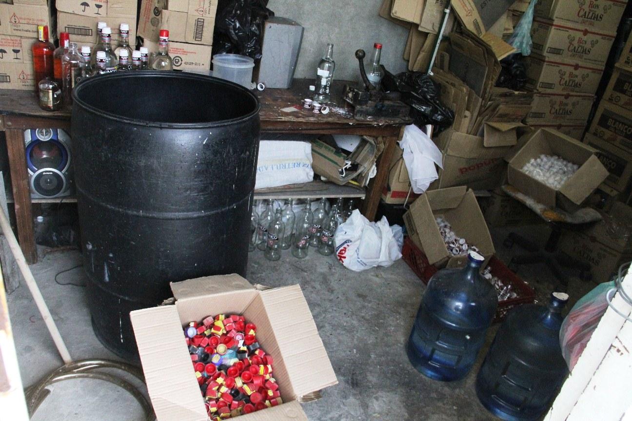 Desmantelada fábrica de licor adulterado al nororiente de Cali