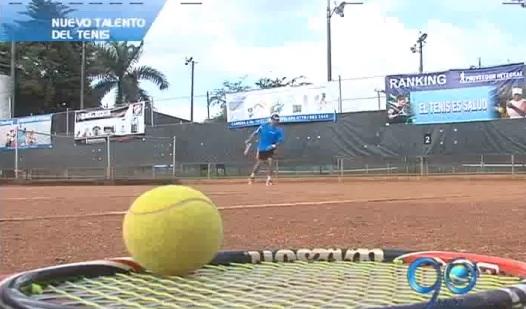 Primo de Alejandro Falla comienza a figurar en el tenis vallecaucano