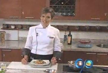 Carolina enseña a preparar una ensalada vegetariana