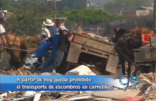 Quedó prohibido el transporte de escombros en carretillas en Cali