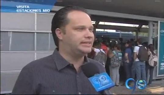 Superintendente de Transporte recorrió estaciones del MIO