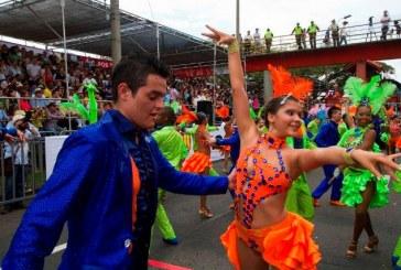 Cali abrió su Feria a ritmo de los mejores bailarines de salsa