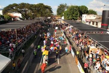 Desfile de Cali Viejo llenó de color a la 'Sucursal'