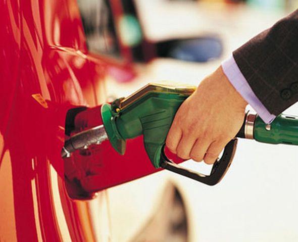 La gasolina bajará 208 pesos en Colombia