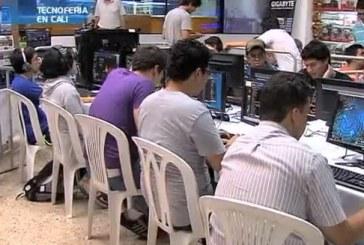 Gomosos de la tecnología y video juegos se renieron en La Pasarela