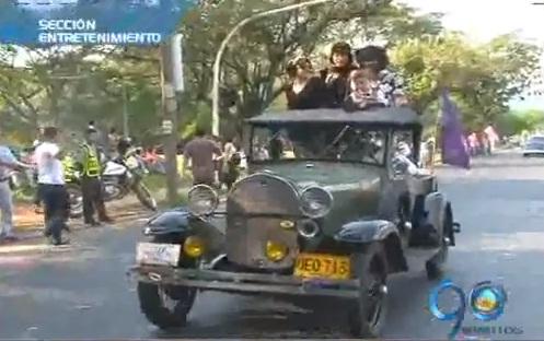 Entretenimiento: Cascanueces, La Tanda y desfile autos