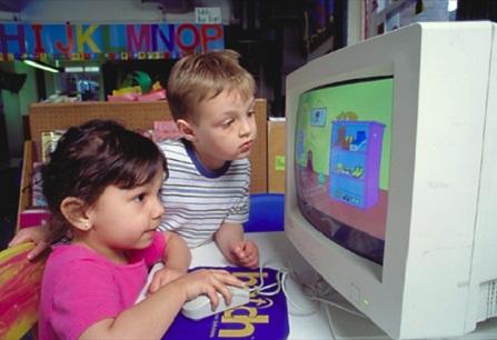 Trabajadores de grandes compañías educan a sus hijos sin computadoras