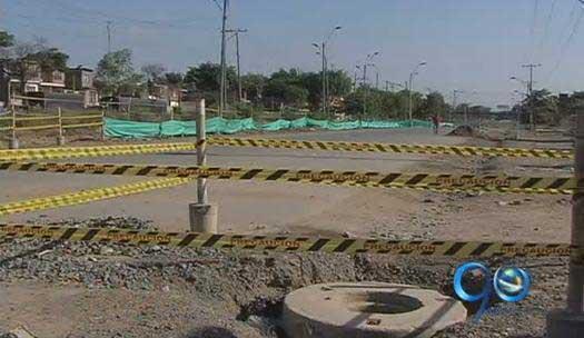 Vecinos del sector de Calipso, afectados por retraso en obras de Metrocali