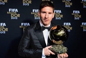 Por cuarta ocasión consecutiva, Lionel Messi recibe el balón de oro
