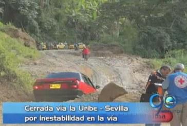 Autoridades cierran la vía entre Uribe y Sevilla por falla geológica