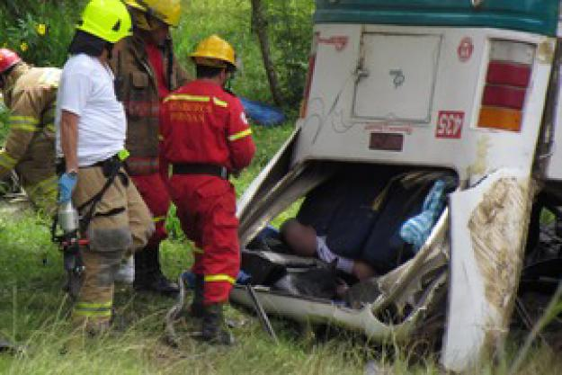Accidente en el Cauca deja tres muertos y 25 heridos