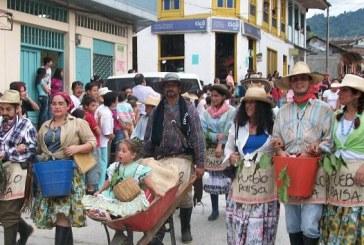 La familia Castañeda es la reina del 'Carnaval de Blancos y Negros'