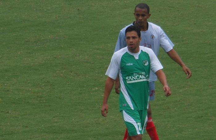 El delantero Luis Ferney Ríos no tiene fractura pero sí luxación de codo