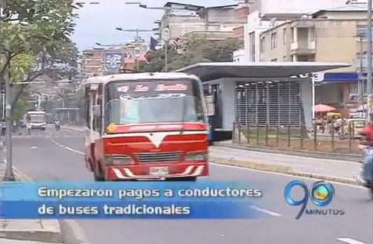 Empezaron los pagos a conductores de buses tradicionales