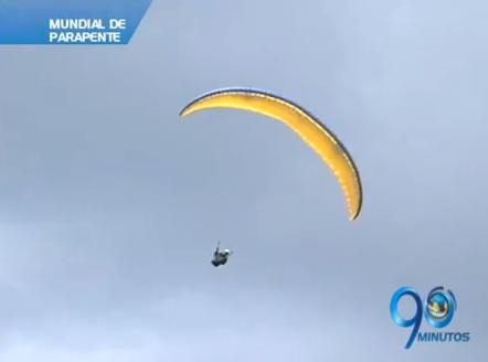 El cielo de Roldanillo se adorna con parapentes en el Mundial de esta disciplina