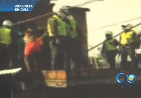 Patrullero de Policía fue arrojado por una terraza