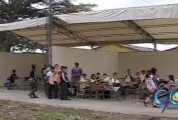 Por falta de reparación a un colegio de Candelaria,  300 niños no asisten a clases