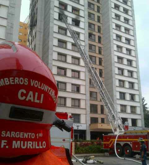 Controlado incendio en apartamentos del barrio Los Cámbulos