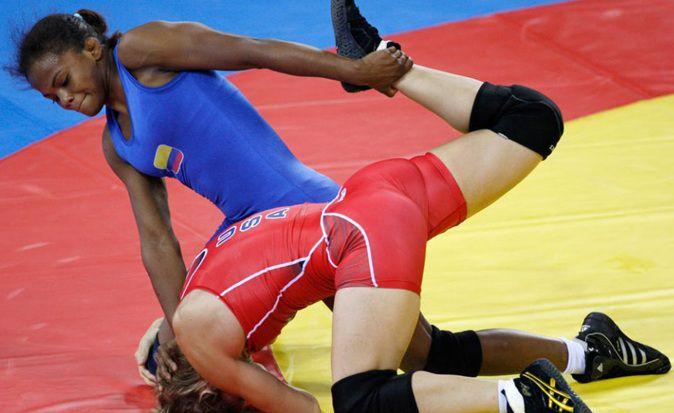 La luchadora Jackeline Rentería obtuvo medalla de bronce en Abierto de Suecia