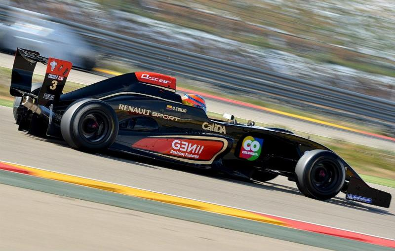 El piloto Óscar Tunjo presentó su nuevo monoplaza para el 2013