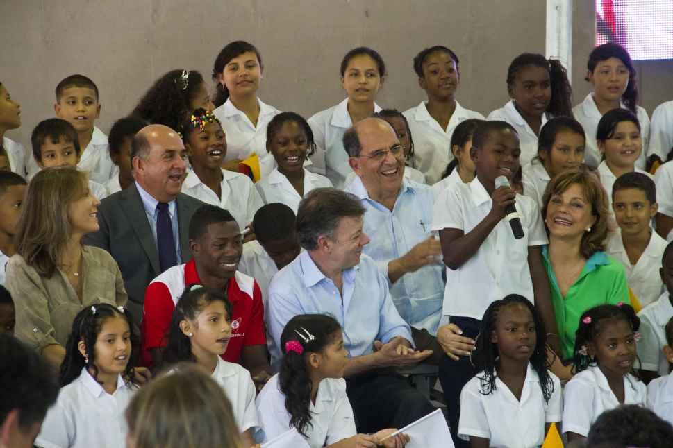 Santos inaugura centros educativos, artísticos y tecnológicos