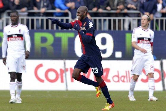 El tumaqueño Víctor Ibarbo anotó en el juego del Cagliari ante el Milán