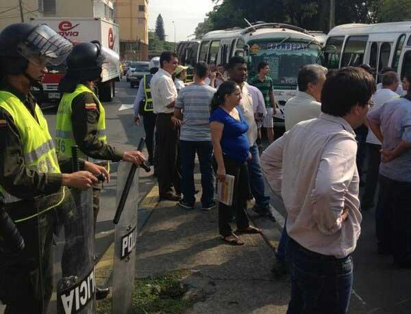 Continúan protestas de conductores de Coomoepal