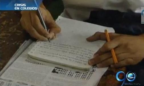 Colegios oficiales podrían quedarse sin servicios públicos