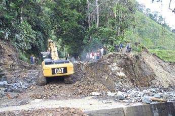 Derrumbe en la vía Quibdó – Risaralda mantiene incomunicado al Chocó