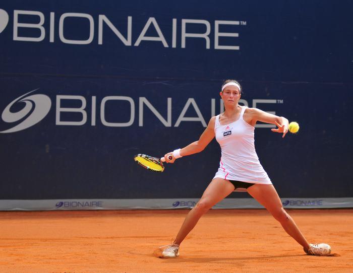 Mariana Duque avanza a cuartos de final y semifinal de dobles junto a Castaño